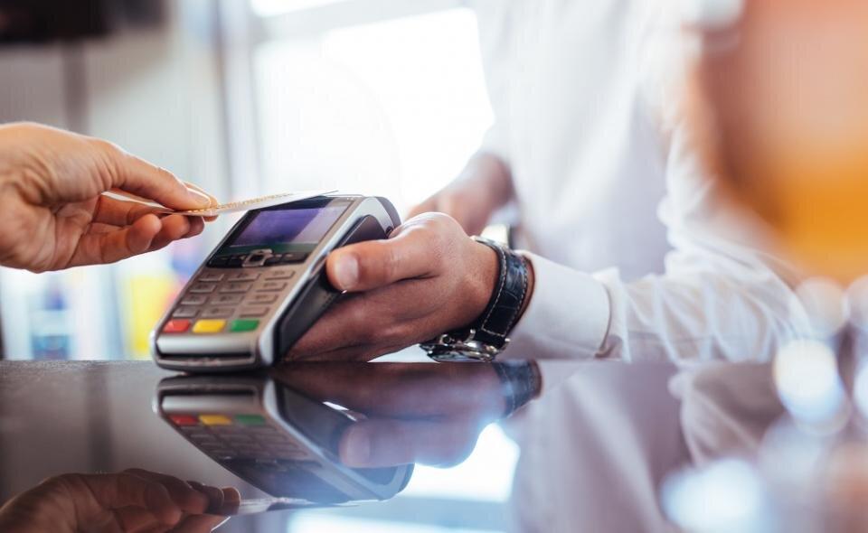 Płatność na terminalu płatniczym